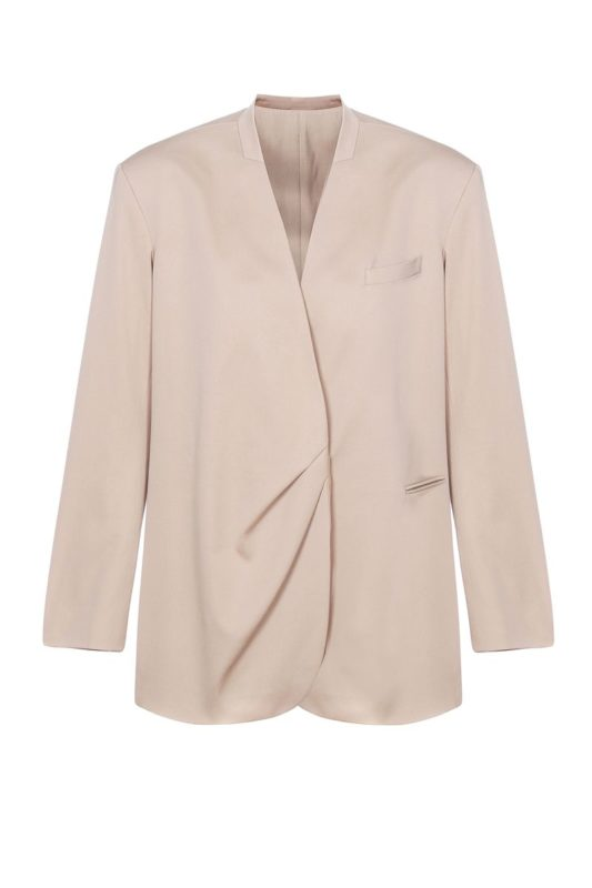 Nude jacket with a pleat